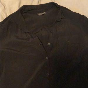 Quarter length sleeve black button up